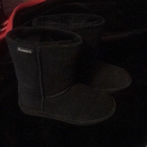 Black Short Bear Paw Boots